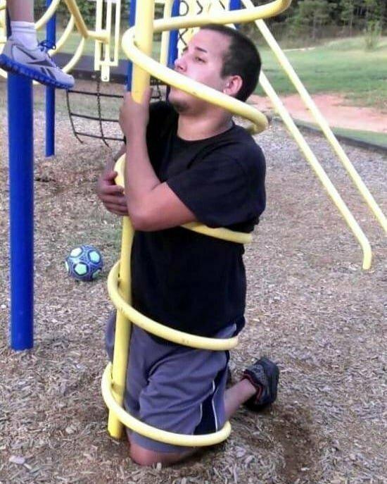 Жизнь взрослых мальчиков полна опасностей и приключений