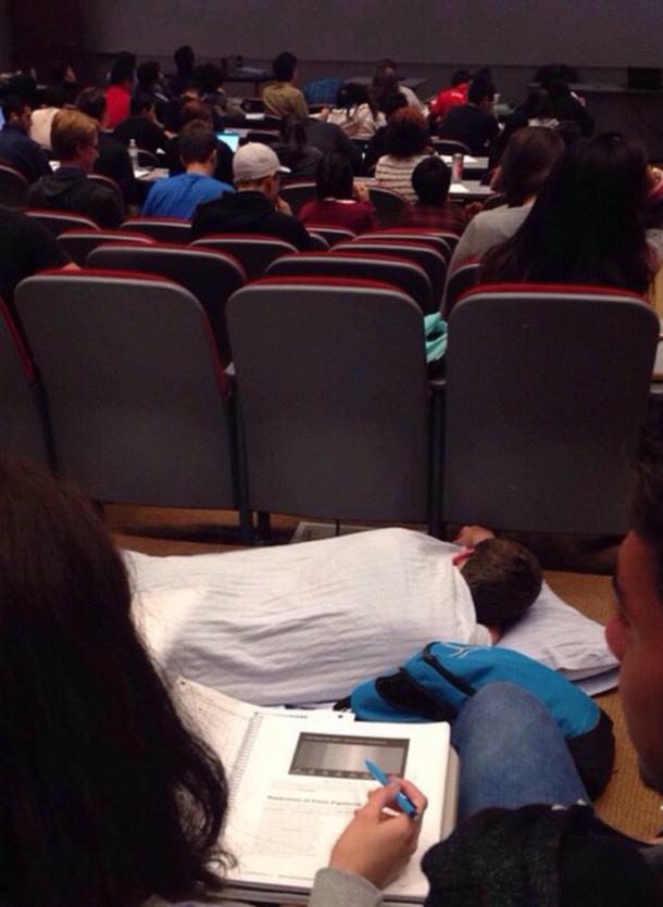 Говорят, во сне лекции лучше запоминаются