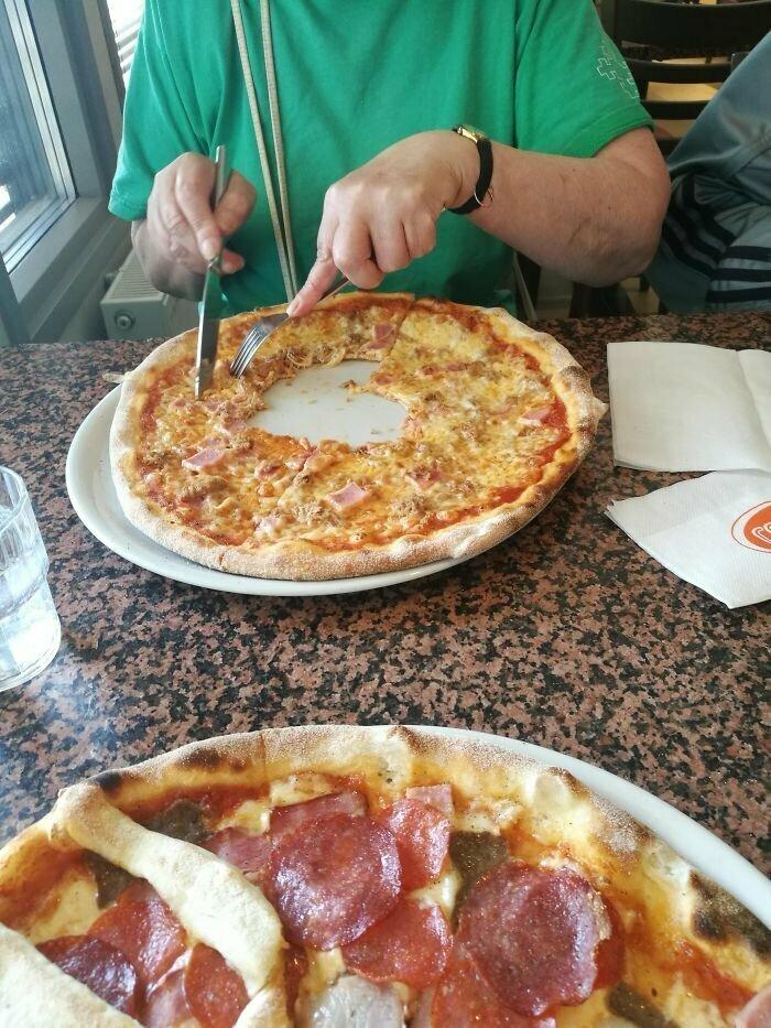 Бабушка и пицца