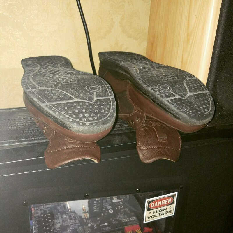 Как быстро высушить мокрые ботинки