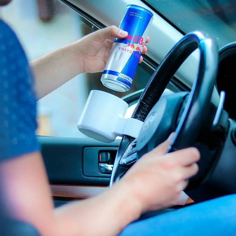 Хватит уже мучиться! Держите свои любимые напитки прямо на руле, чтобы не отвлекаться от дороги