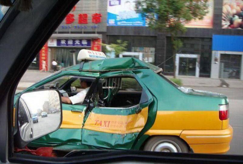 Потрепанное жизнью такси