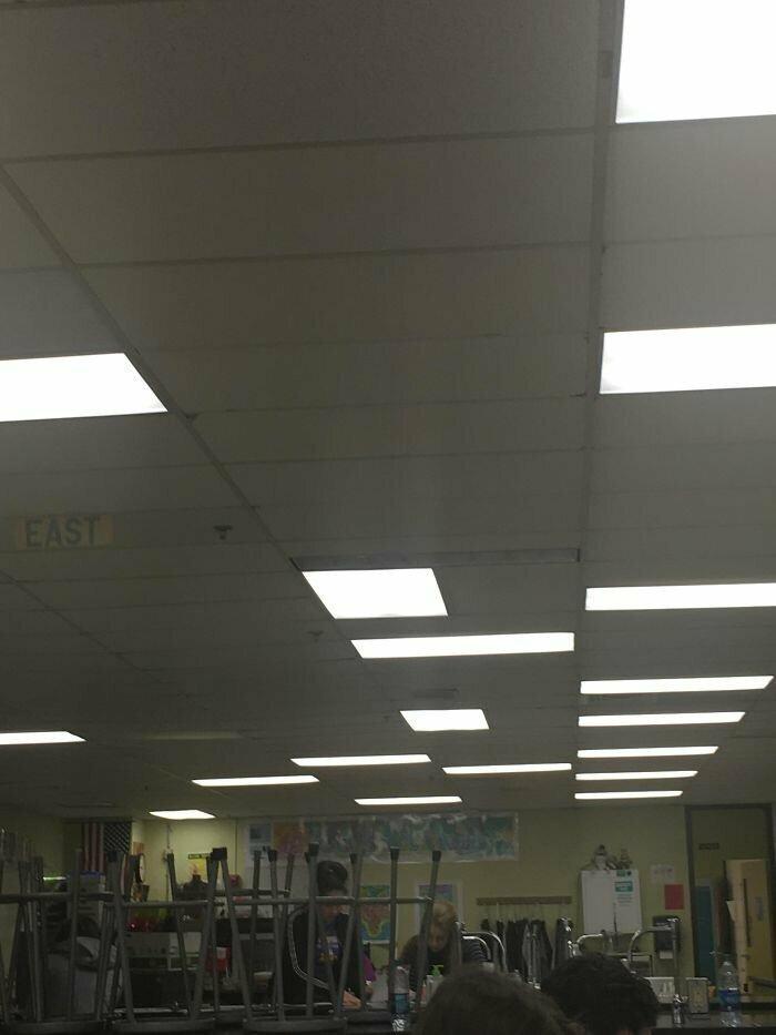 Свет - только на правый ряд!