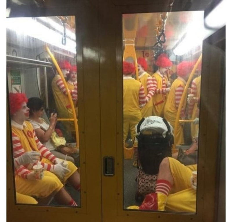 Клоуны - они же вроде смешные и добрые