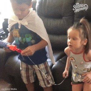 Просто удивительный уровень доверия к старшему брату