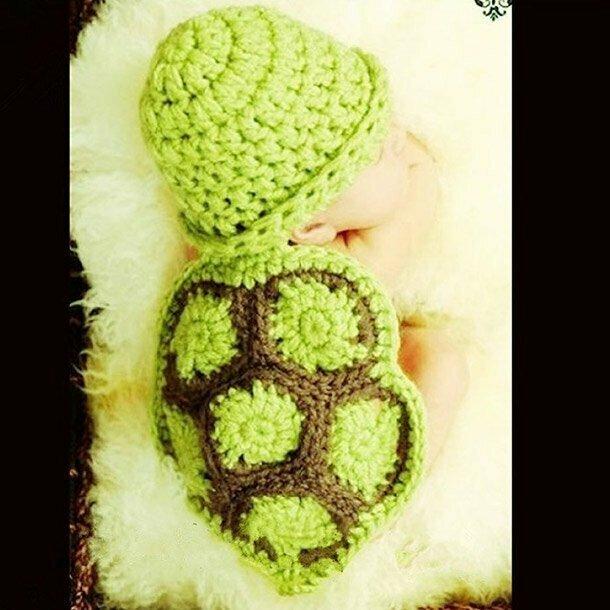 18. Костюм черепахи для новорожденного. Вот зачем так над детьми издеваться? Привыкают с детства к странной одежде, а потом их уже не вылечить