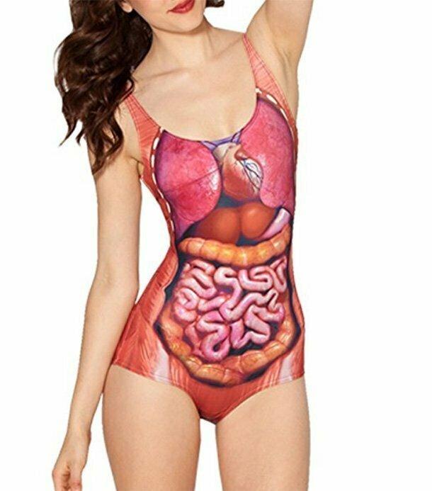 """17. """"Анатомический"""" купальник. Женщина в таком купальнике определенно привлечет на пляже все взоры - но вряд ли они будут восхищенными"""