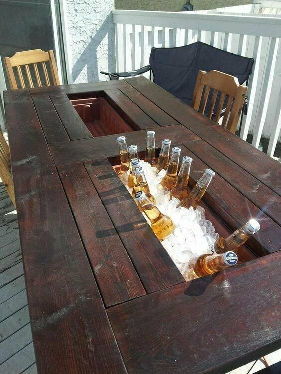 Мини-бар в столе