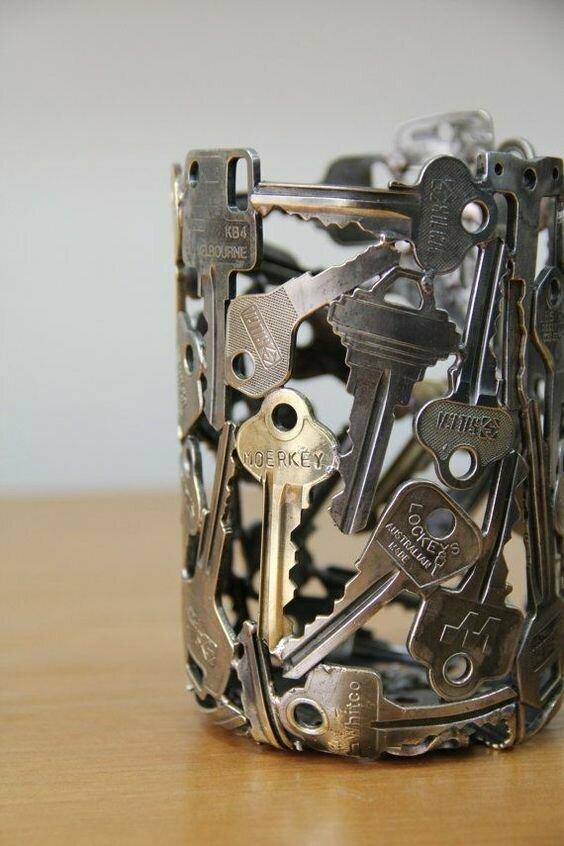 Подставка из ключей