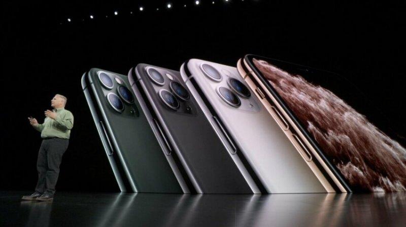 Новый смартфон от Apple стал мемом не успев даже выйти
