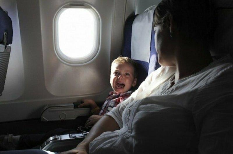 """""""Мы никогда не привыкаем к плачу детей на борту. Ты просто как будто прекращаешь их слышать, но привыкнуть - нет"""""""