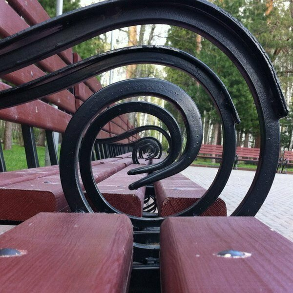 Как интересно снять скамейки