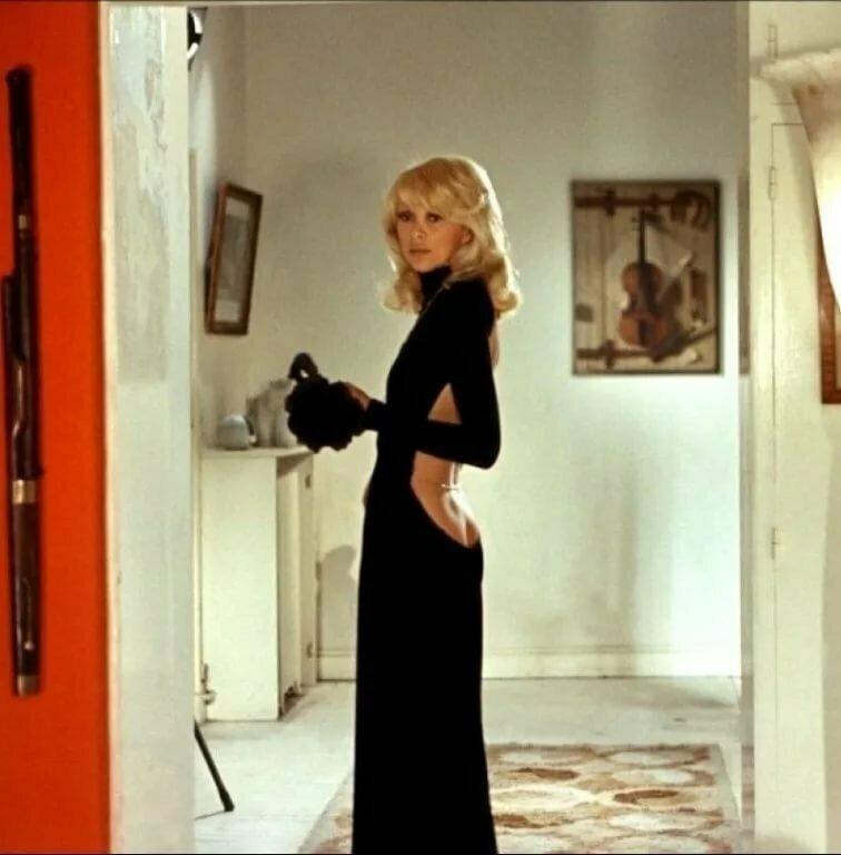 """Платье Мирей Дарк из фильма """"Высокий блондин в чёрном ботинке"""""""