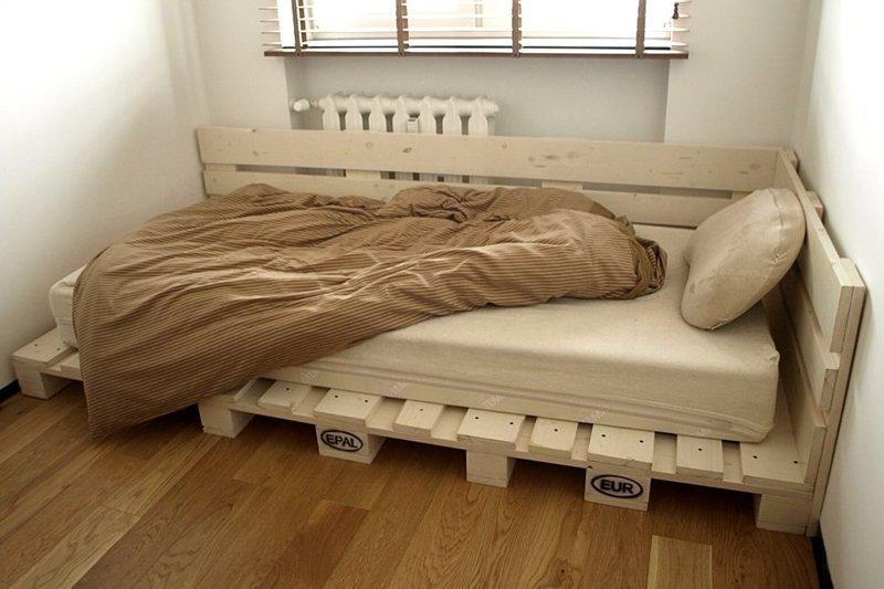 6. Ага, кровать. Но мы нашли и двухъярусную!