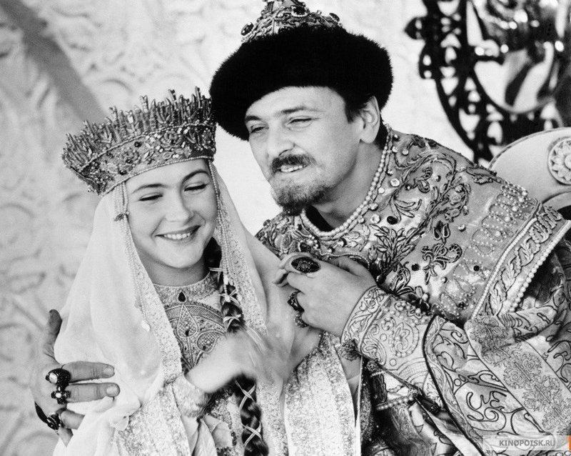 Нина Маслова. Два фильма, которые может вспомнить зритель - Афоня иИван васильевич меняет профессию. А актриса очень красива...