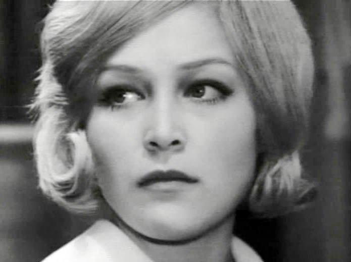Евгения Ветлова. Хоть и снялась в более, чем 25 советских фильмов, фамилию этой актрисы мало кто знает
