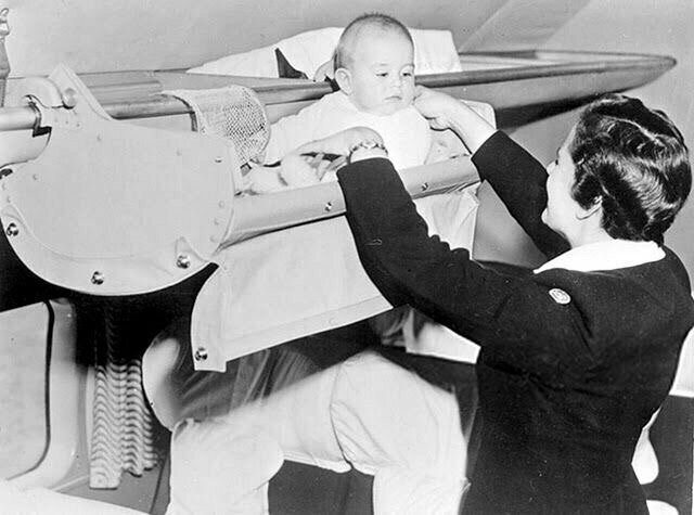 6. Как перевозили детей в самолетах в США, 1950-е годы