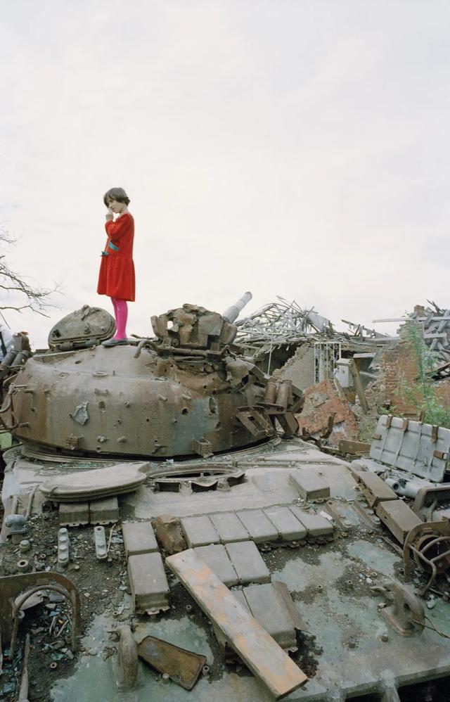 2. Российский танк в Грозном, Чечня, 1996 год