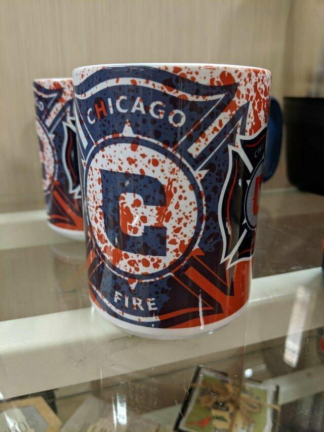 17. Дизайн для кружки пожарных Чикаго или улика?