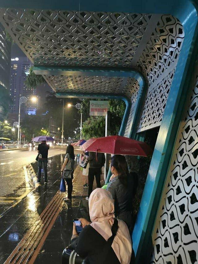 12. Стильная и бесполезная остановка в Малайзии