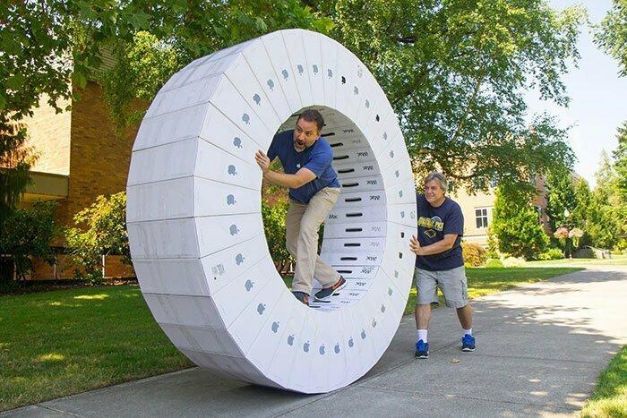 """1. """"Наша школа получила компьютеры. Вот какое применение нашли коробкам"""""""