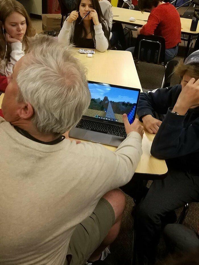"""30. """"Учитель показывает нам свой мир Minecraft"""""""