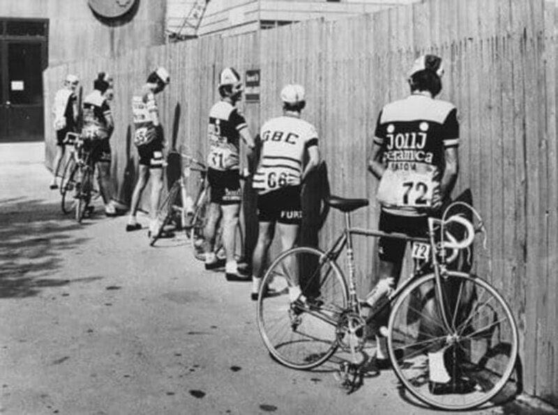 Велосипедисты перед стартом 56-й супервеломногодневки Джиро д'Италия, 1973 г.