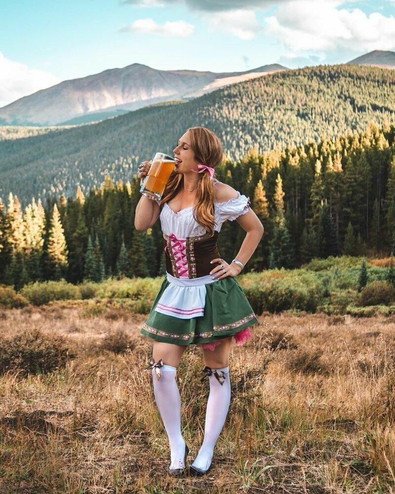 Пивной фестиваль Октоберфест собирает самых красивых девушек!