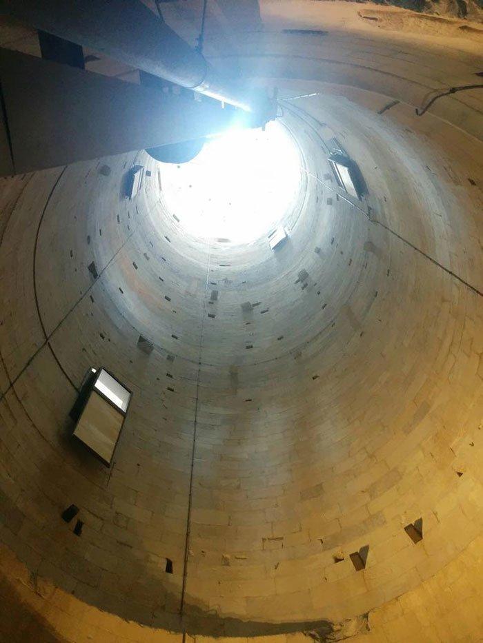 Внутри знаменитой Пизанской башни