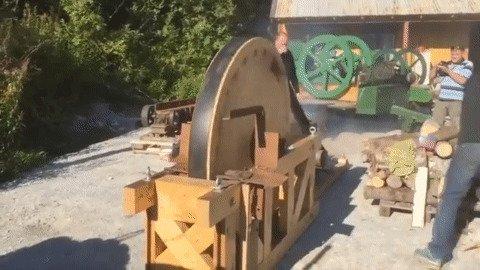 Необычные механизмы для колки дров