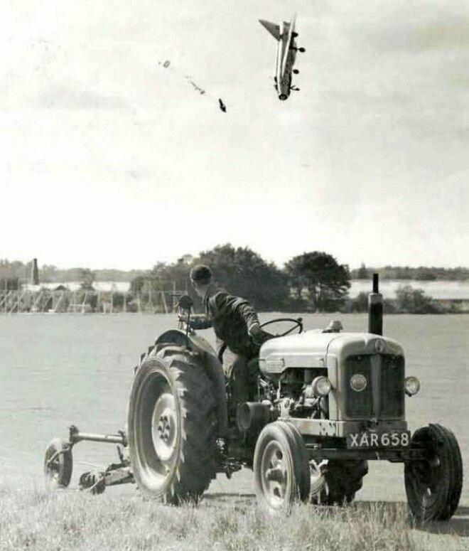 7. Летчик-испытатель Джордж Аирд катапультировался из самолёта после потери управления