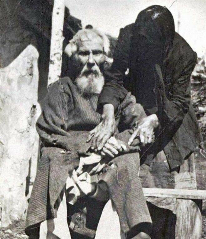 6. Единственная фотография участника Бородинской битвы. Павел Яковлевич Толстогузов в возрасте 117 лет, 1912 год
