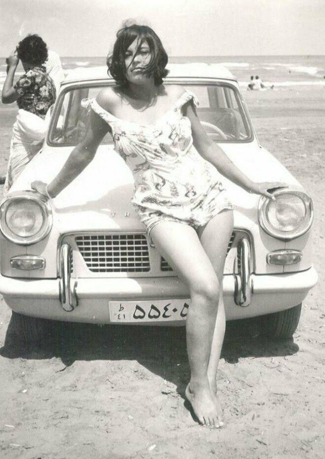 15. Иранская девушка в купальнике — действительно редкий кадр, 1960 год