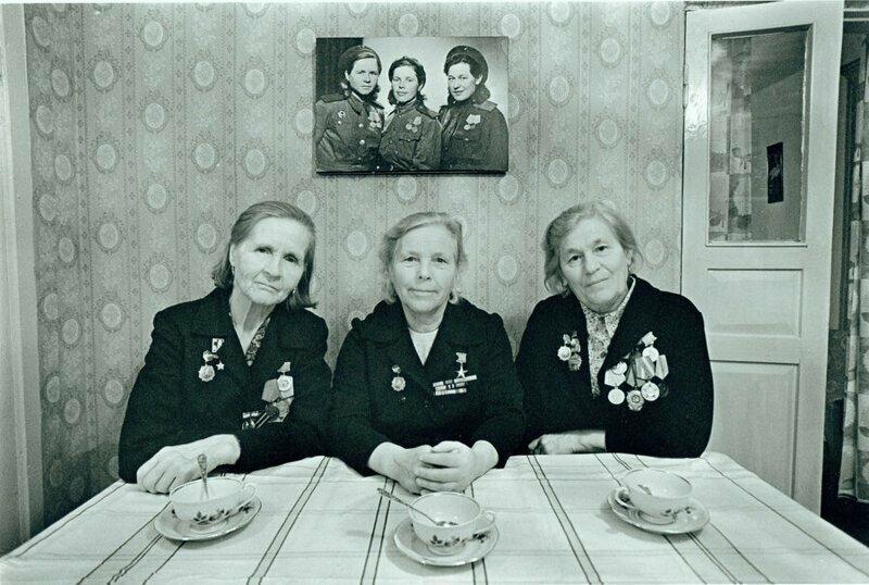 1982 г. Слева направо: Анна Чекрыгина, Вера Сафронова и Нина Муравецкая.
