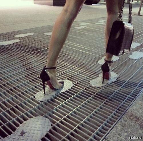 Даже о женщинах на каблуках подумали