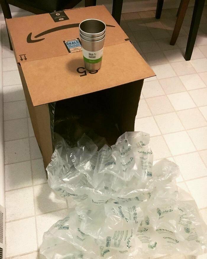 """""""Заказал экологичные стаканы. Прислали в куче пластиковой пленки. Даже не смешно"""""""