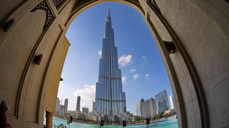 Эмираты - страна в которой самое большое число работающих иностранцев - 85%.