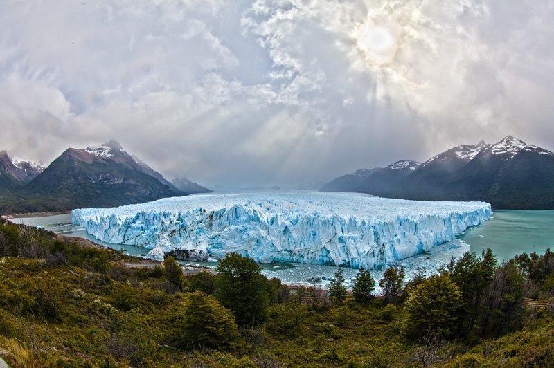 20 см — на столько поднялся в течение прошлого века уровень Мирового океана. Каждый год он в среднем растет на 3,4 мм