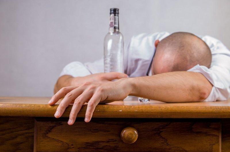 18,2 литра — потребление чистого алкоголя на душу населения (старше 15 лет) в Литве, самое большое в мире