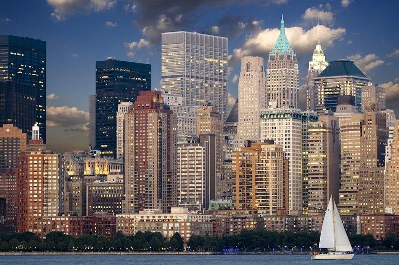 4280 небоскребов выше 150 м выстроено на сегодня по всему миру.  Лидеры по таким зданиям - Китай (1672) и  США (740). Россия занимает 17-е место в рейтинге, имея на своей территории 40 высотных зданий