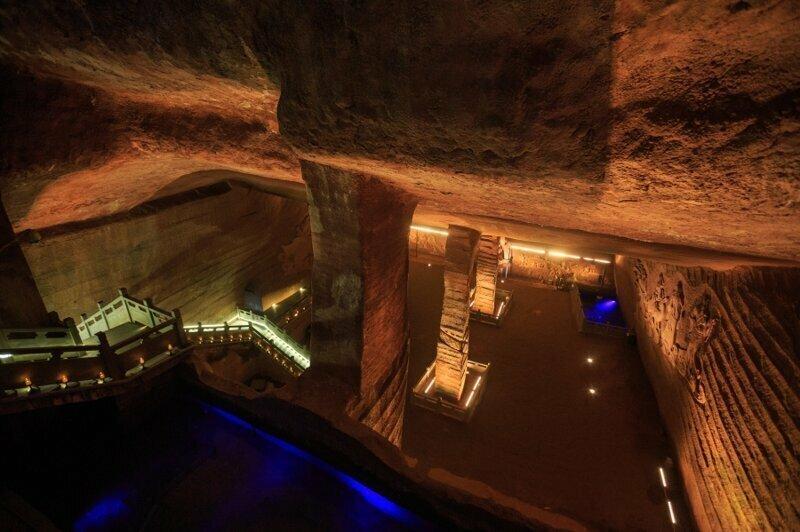 21. Пещеры Лунъю