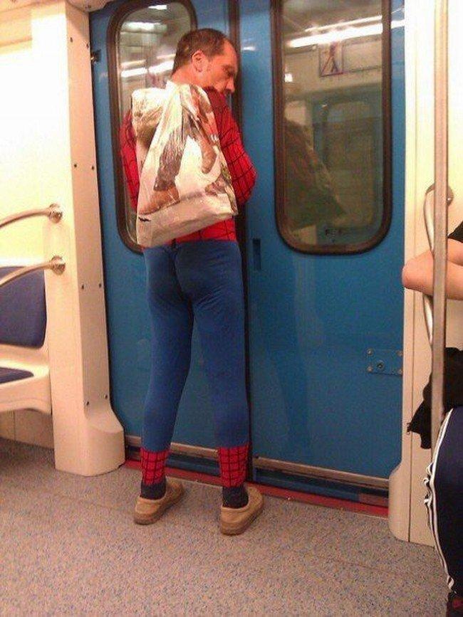 Спайдермен возвращается со смены