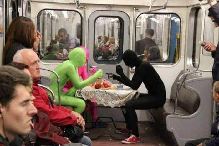 Хотите впечатлений? Спуститесь в метро!