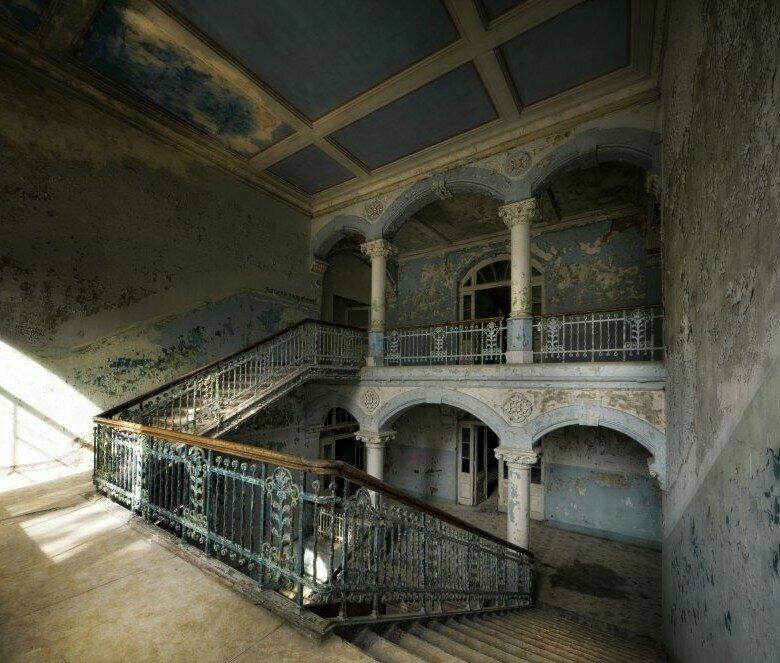 Мрачное очарование здравницы, стены которой помнят Гитлера
