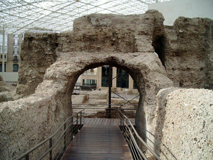 Римляне не имели обыкновения отрыгивать пищу за ужином