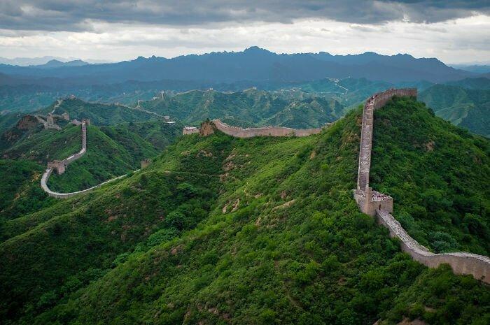 Великая китайская стена не видна из космоса
