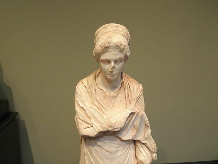 Античные скульптуры не были белыми