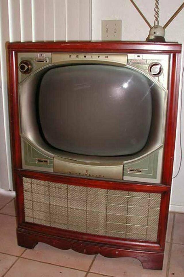Пульт дистанционного управления для ТВ середины прошлого века