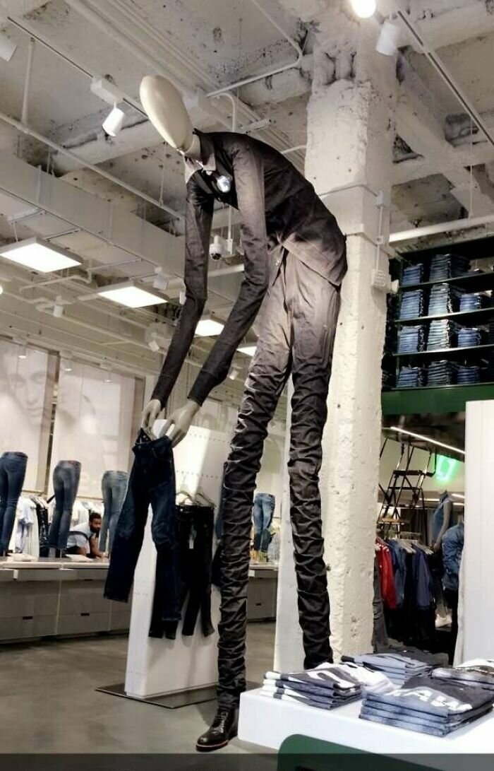"""""""Увидел это в джинсовом магазине в Нью-Йорке. Как выжил - не знаю"""""""