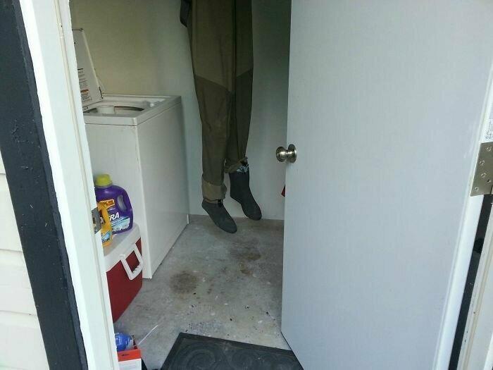"""""""Сосед повесил просушиться рыболовные штаны. Когда я открыл дверь, то и свои чуть не намочил от ужаса"""""""
